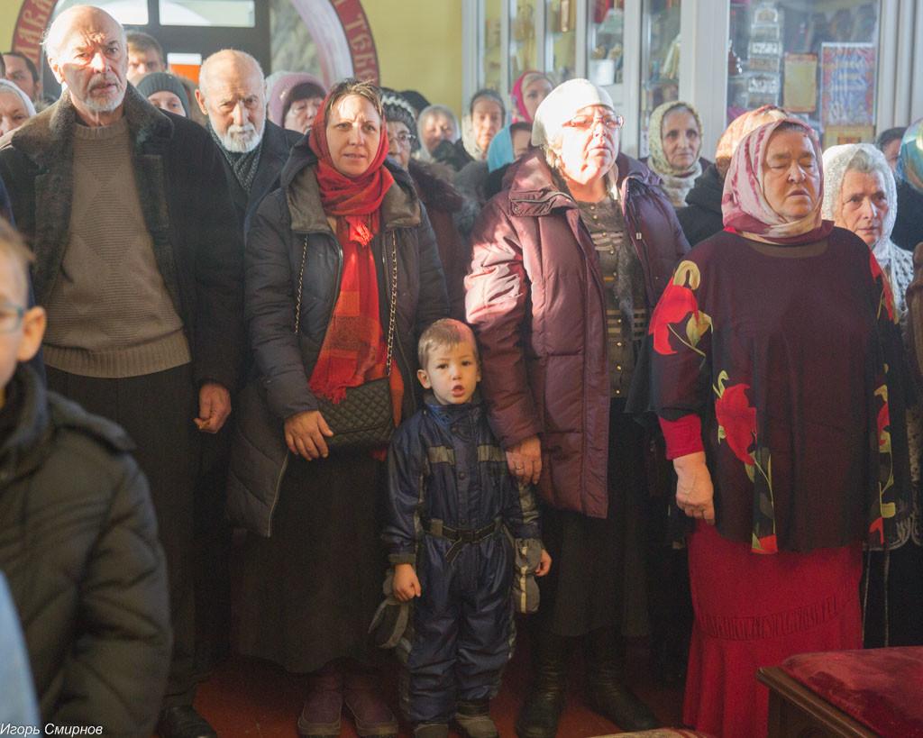20161110-031-xram-svyatoj-velikomuchenicy-paraskevy-omsk-mitr-vladimir-ikim-img_9657
