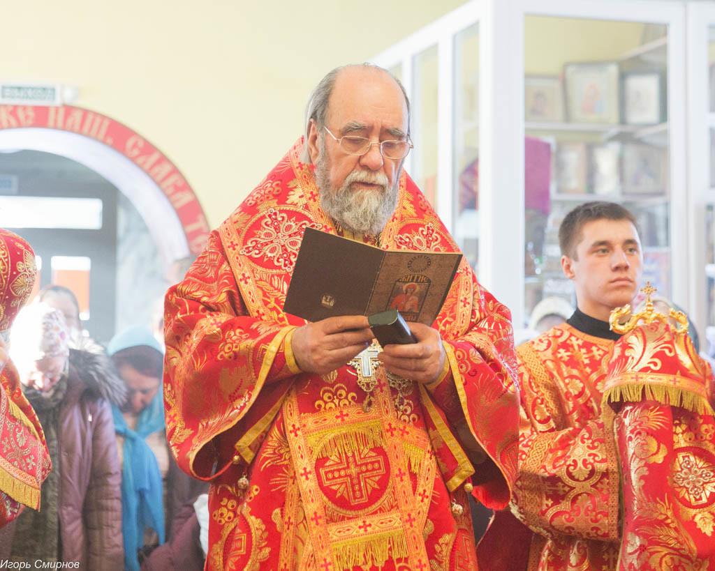 20161110-042-xram-svyatoj-velikomuchenicy-paraskevy-omsk-mitr-vladimir-ikim-img_9697