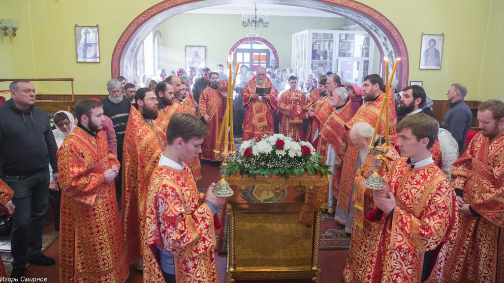 20161110-043-xram-svyatoj-velikomuchenicy-paraskevy-omsk-mitr-vladimir-ikim-img_9700